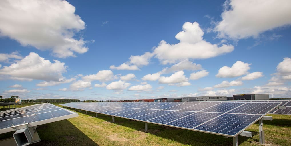 8 Factors to Consider When Buying Solar Panels